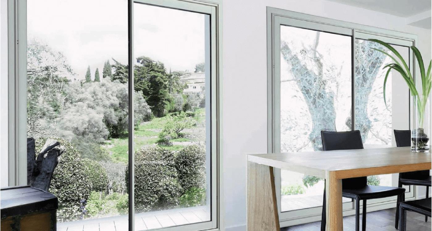 Interieur design avec plan sur vitre